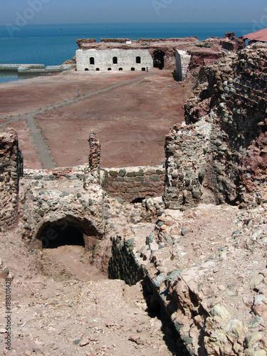Fotografie, Obraz  Ruins of Portuguese castle on Hormoz Island in Persian Gulf, Iran