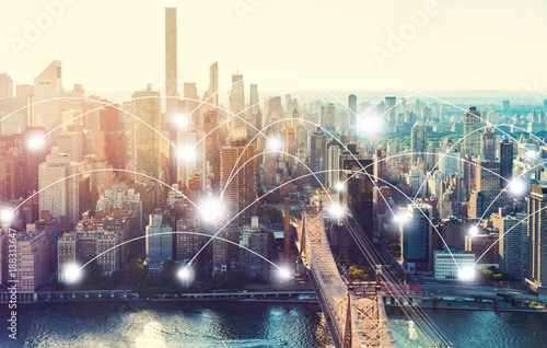 Fotografia  Network and connection technology concept with the New York City skyline near Mi