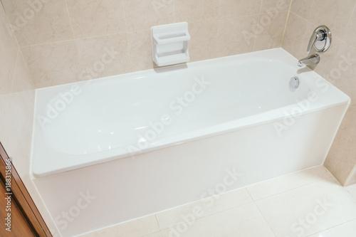 White bathtub Fototapet