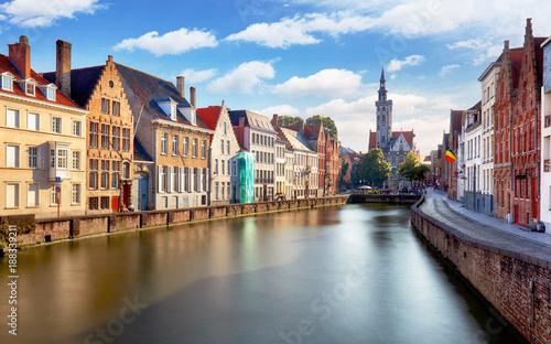 In de dag Brugge Canals of Bruges, Belgium at sunset