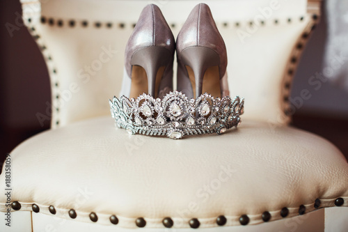 Photo silver crown and bridal shoes