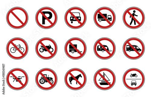 Fotomural 15 Verbots- & Warnschilder - Straßenverkehr (Rot)