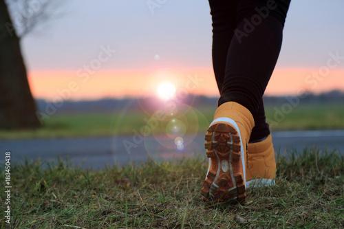 Fototapeta Nogi biegacza, zachód słońca, obraz