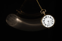 Swinging Pocket Watch Beckonin...
