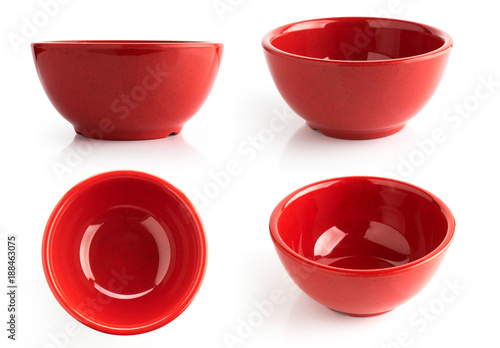 Photo  red bowl isolated on white