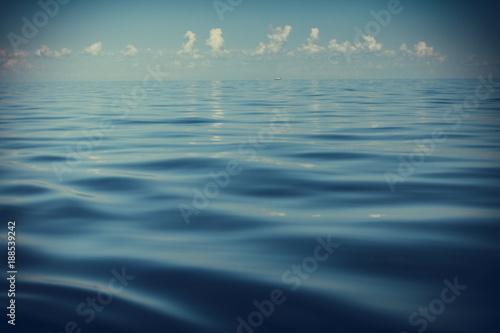 Fotobehang Zee / Oceaan seascape sea horizon and sky.