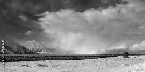 Photo  Winter storm on the Teton plain