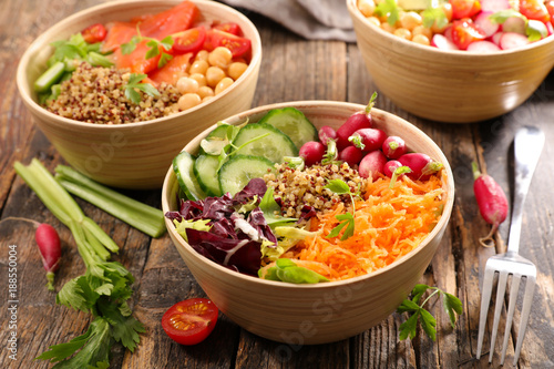 Photo  different sort of vegetarian salad