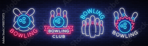 Foto Bowling is collection of neon signs