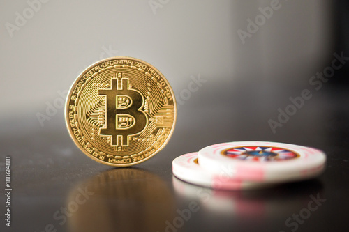 фотография  Gambling with bitcoin and casino chips