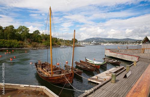 Papiers peints Scandinavie Boats in small harbor