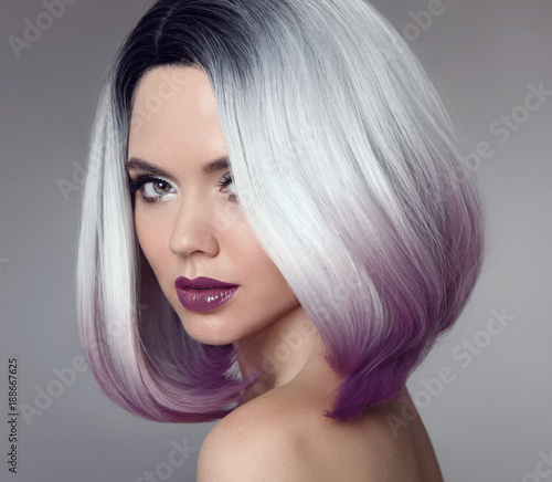 Fototapety, obrazy: Ombre bob short hairstyle. Beautiful hair coloring woman. Trendy haircut. Blond model with short shiny hairstyle. Concept Coloring Hair. Beauty Salon.