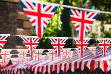Strings Of Union Jack Bunts Fe...