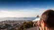 regard à la longue vue sur les îles du Frioul à Marseille