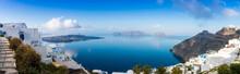 Panorama De La Caldeira à Firostefani à Santorin, Cyclades En Grèce