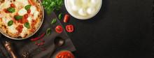 Pizza Con Ingredienti - Copert...
