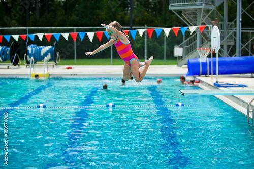 Plakat Lekcja pływania z deski do nurkowania