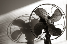 Antique Fan With Light Streami...