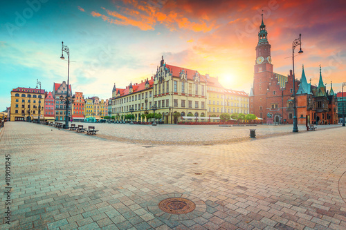 Obraz Spectacular morning scene in Wroclaw on Market Square, Poland, Europe - fototapety do salonu