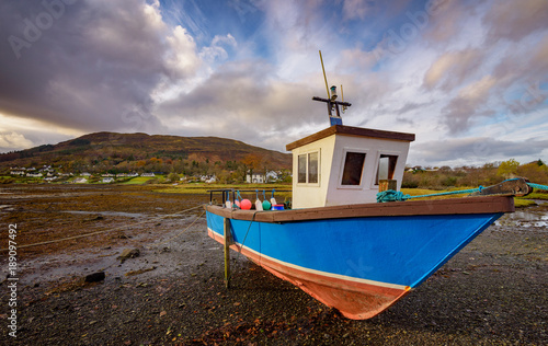 Photo Boat with Low Tide