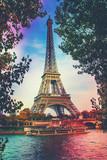 Fototapeta Fototapety z wieżą Eiffla - Paris, the Eiffel Tower. Selective focus.