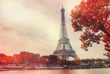 Paris, The Eiffel Tower. Selec...