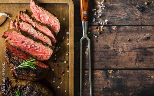 La pose en embrasure Viande Grilled marbled meat steak
