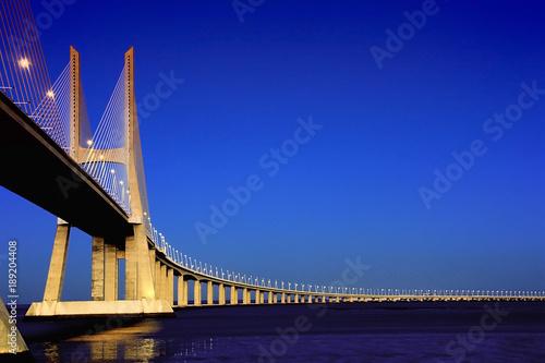 Photo  Ponte Vasco da Gama sobre o Rio Tejo em Lisboa