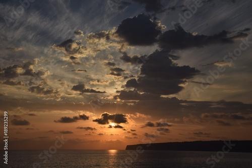 Spoed Foto op Canvas Zee zonsondergang Sonnenaufgang an der Costa Tramuntana auf Formentera