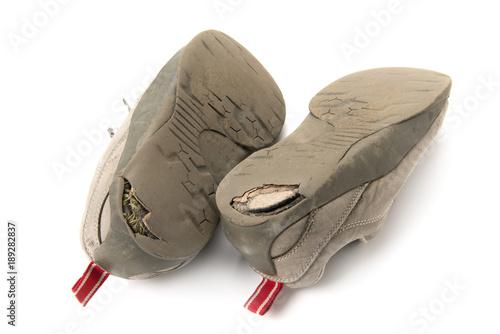 Photo スニーカーの踵の穴