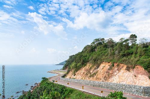 Zdjęcie XXL Droga wzdłuż wybrzeża. Chantaburi, Tajlandia
