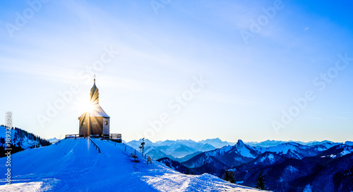 Foto famous little church on the wallberg mountain