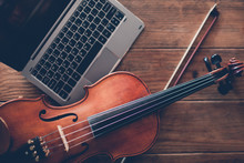 Online Violin Play Teaching Courses. Classical Musical Instrument Art. Modern Internet Technology Advantages Concept