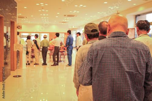 Fényképezés  Human queue in line