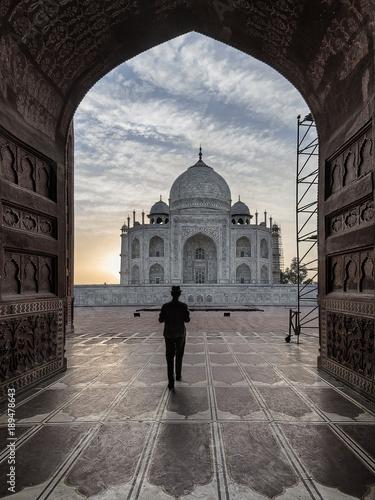 Poster Marron chocolat Iconic view of Taj Mahal one of the World Wonders, Agra, India