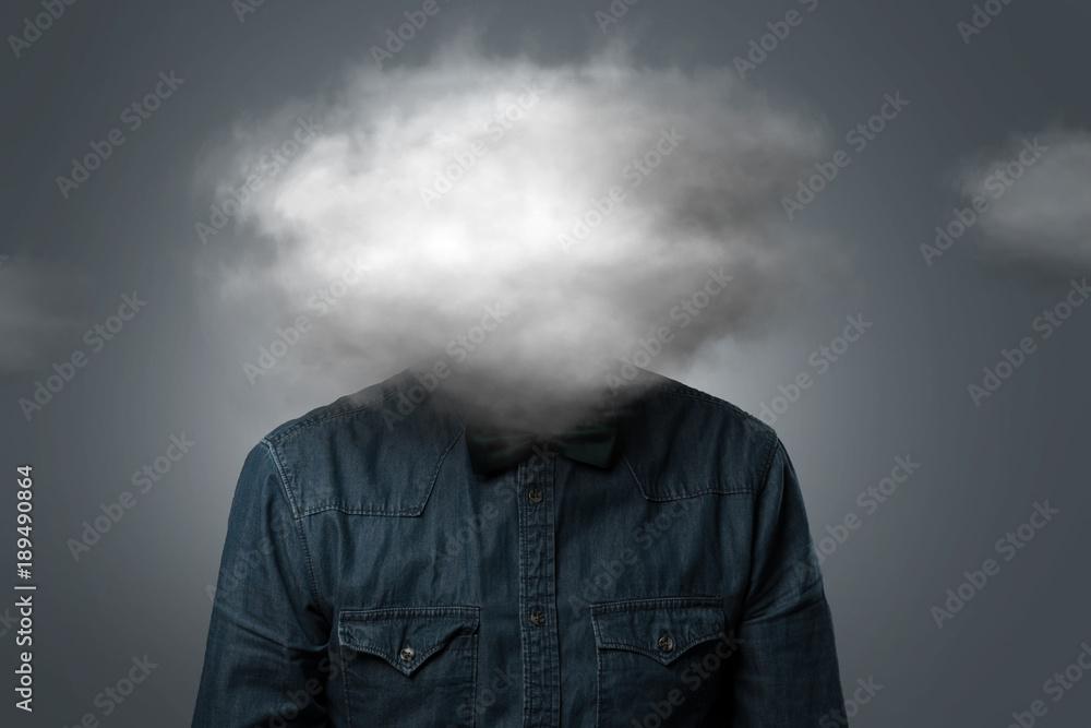 Fototapeta Mann hat Wolke über dem Kopf