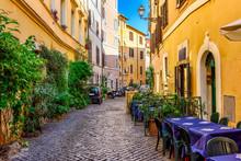 Cozy Old Street In Trastevere ...
