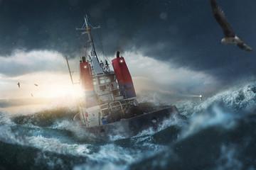 Schiff fährt durch Sturm