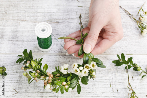 Fotografie, Obraz  How to make easter wreath with buxus and chamelaucium (wax flower) tutorial