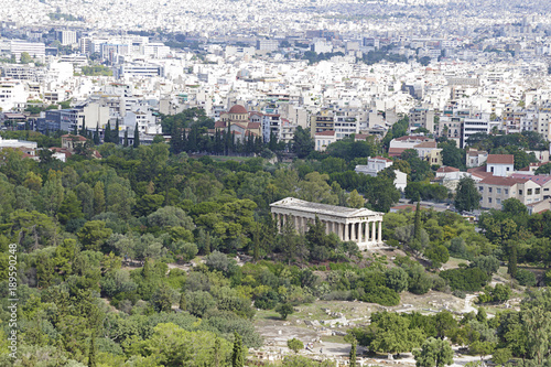 Photo  Panoramic view of the city of Athens an de Temple of Hephaestus one of the best