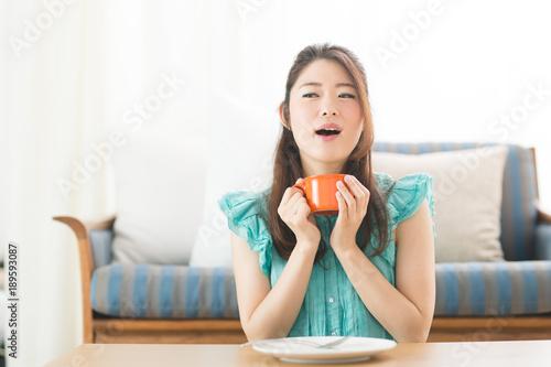 食事・女性 Fototapet