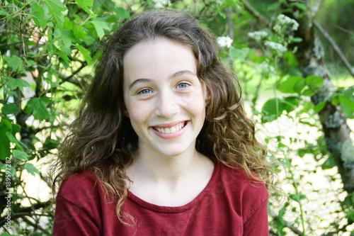belle adolescente de 13 ans,portrait