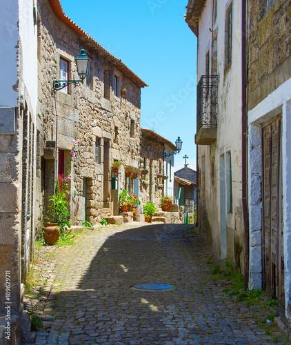 In de dag China Famous Portugal village street. Monsanto