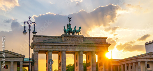 Keuken foto achterwand Berlijn Brandenburg gate at sunset panorama, Berlin