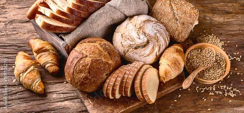 Photo  Fresh baked bread