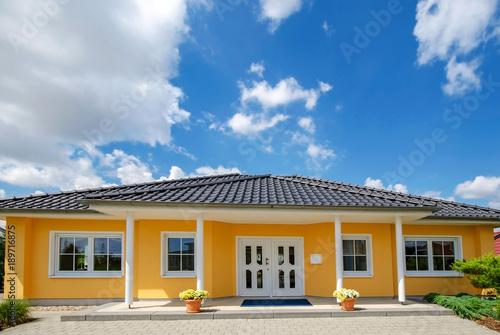 Zdjęcie XXL Niski wzrost, bungalow, dom jednorodzinny