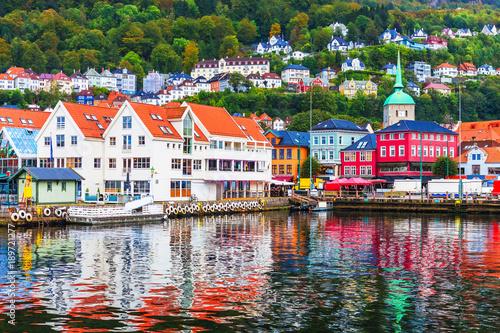 Montage in der Fensternische Skandinavien Scenery of Bergen, Norway