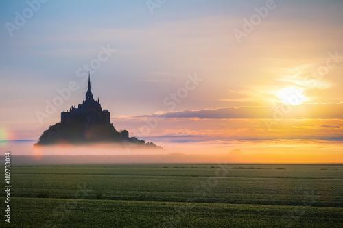 Photo  Mont Saint-Michel view in the sunrise light