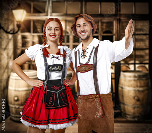 Photographie bavarian people and barrels