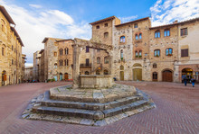 San Gimignano (Italy) - The Fa...